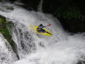 0701tv_kayak50.jpg
